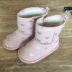 GAP Shoes - *5 FOR $30* Gap || Cozy Pink Heart Snow Boots